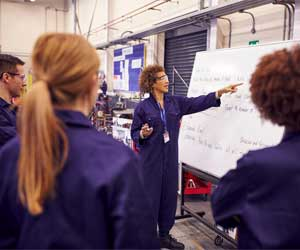 APPRENTICESHIP AND EXTENSION COURSES